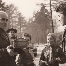 1970 - slavnostní předání srubů za přítomnosti zástupců náčelnictev českého a slovenského Junáka, na fotu náčelník Rudolf Plajner